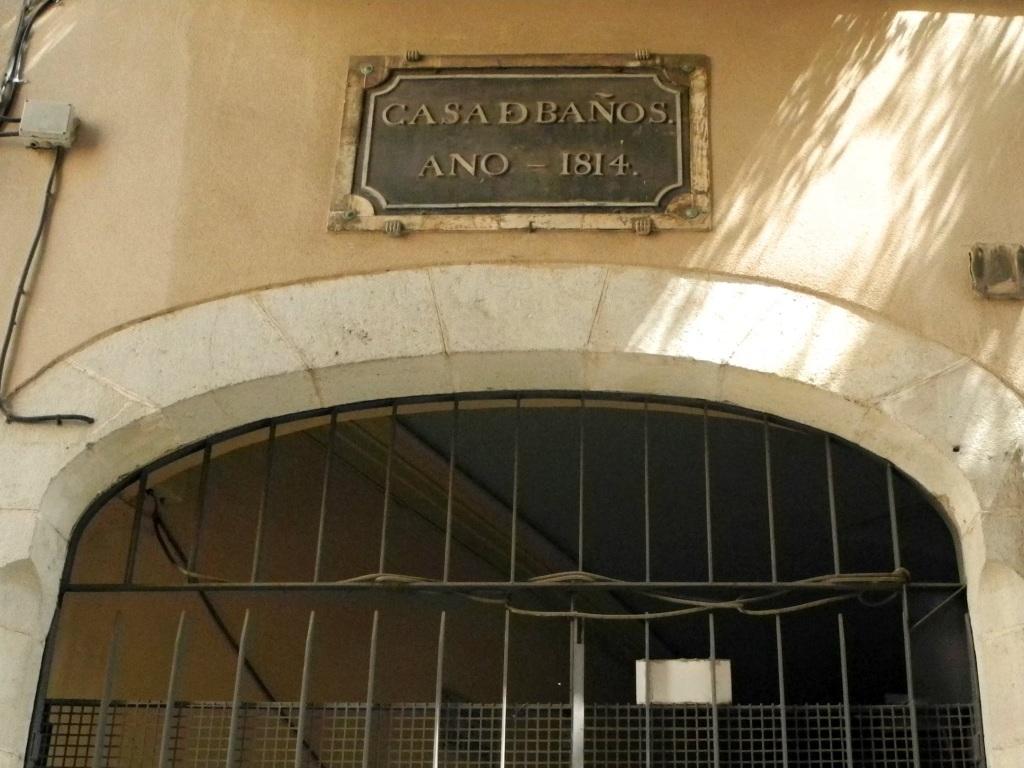 Entrada al Passatge de Lluís Cutchet por el Carrer Arc del Teatre.