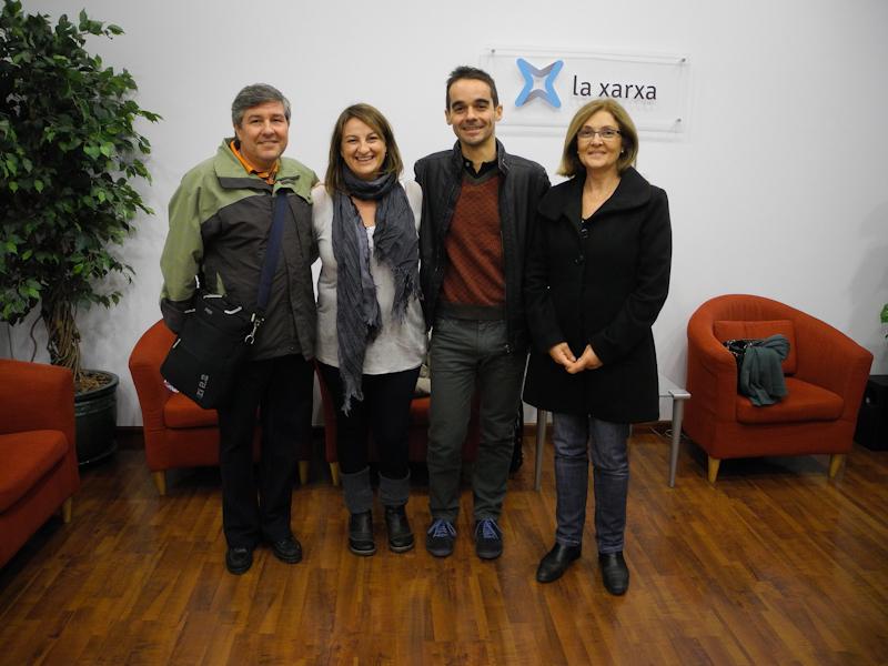 Andrés, Neus, Aitor y Conxita en elvestíbulode La Xarxa.
