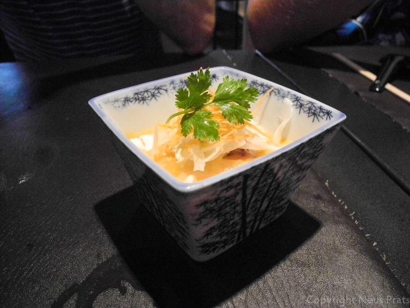 Tataki de bonito amb salmorejo.