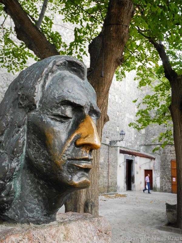 Busto de Chopin en la Plaça de Cartoixa.