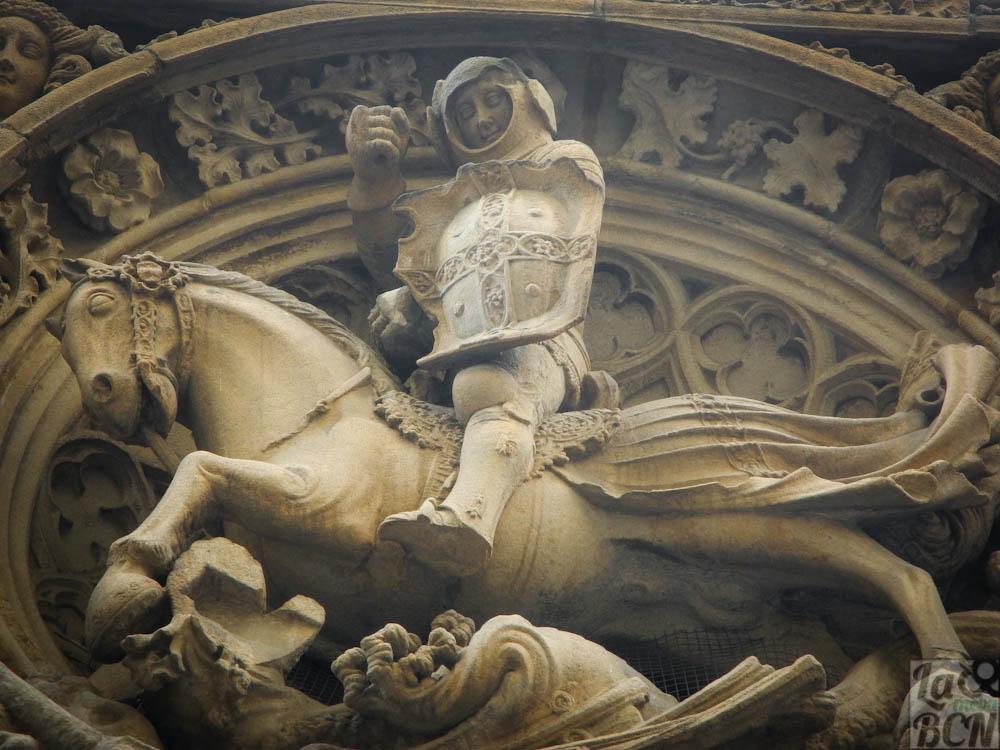 Sant Jordi del carrer del Bisbe de l'escultor Pere Joan