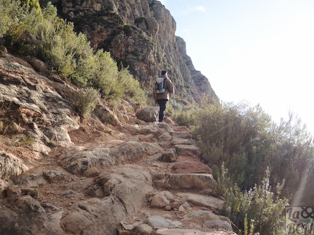 Hay unos 400 m de desnivel hasta llegar al monasterio