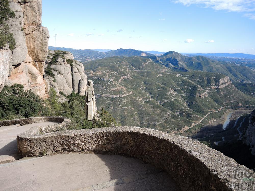 Bajada del Monasterio hacia la Santa Cova