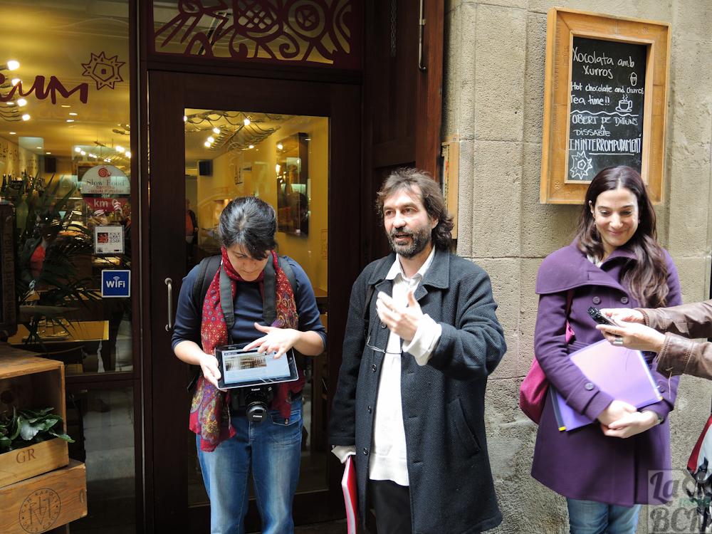 Carolina Gaona, coordinadora del proyecto con los historiadores Francesc Caballé y Eulàlia Venet